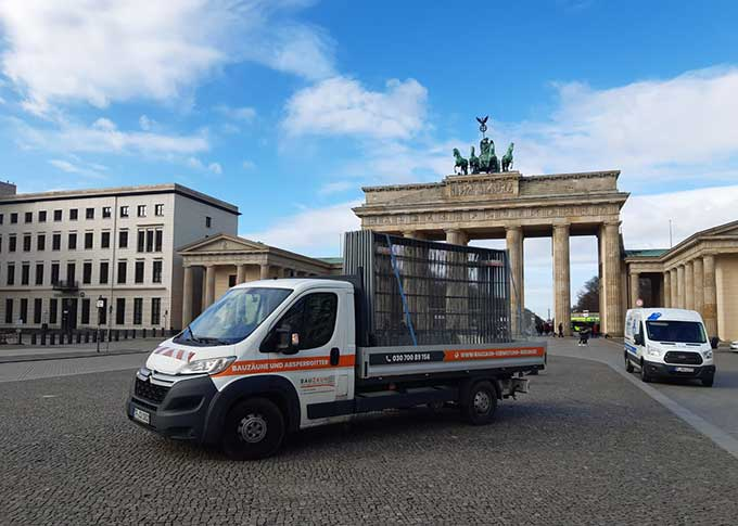 Bauzaun am Brandenburger Tor in Berlin